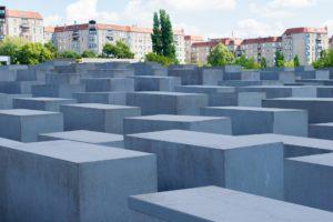 Read more about the article Regina Scheer | AHAWAH Das vergessene Haus